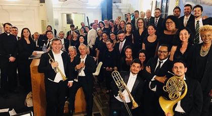 Coral e Orquestra Del Chiaro